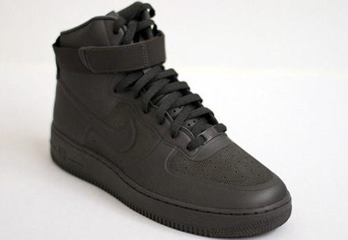 4c12032f black high top forces