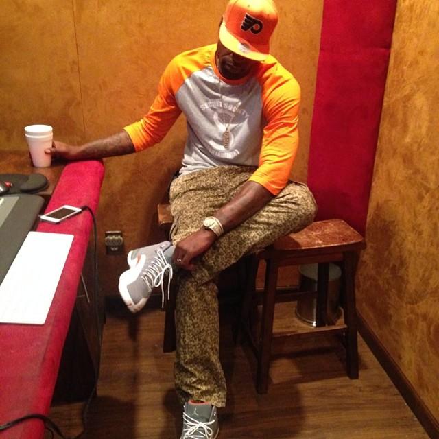 61ff69c13bb4 Stephen Jackson wearing Air Jordan XII 12 Cool Grey