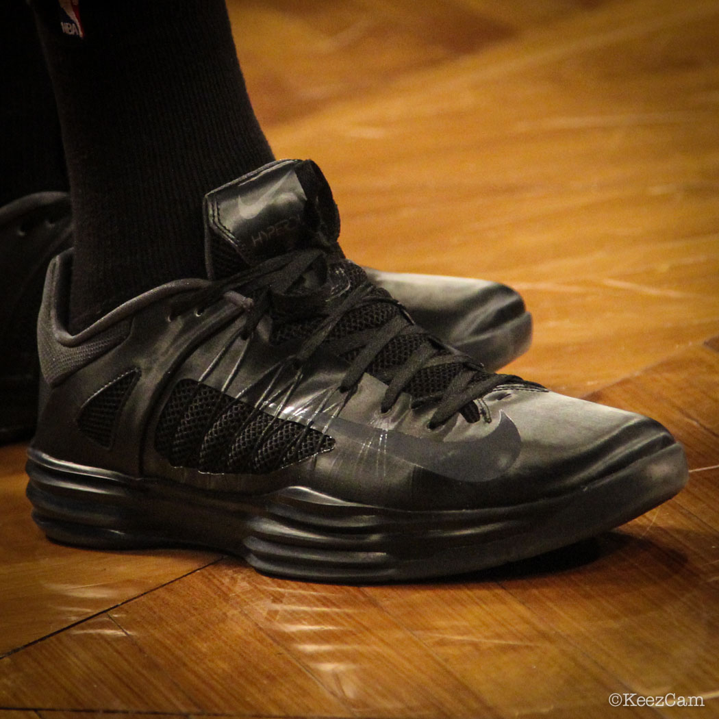 Channing Frye wearing Nike Hyperdunk 2012 Low