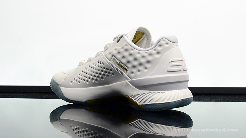 433346e7d846 Release Date  Under Armour Curry 1 Low  Championship