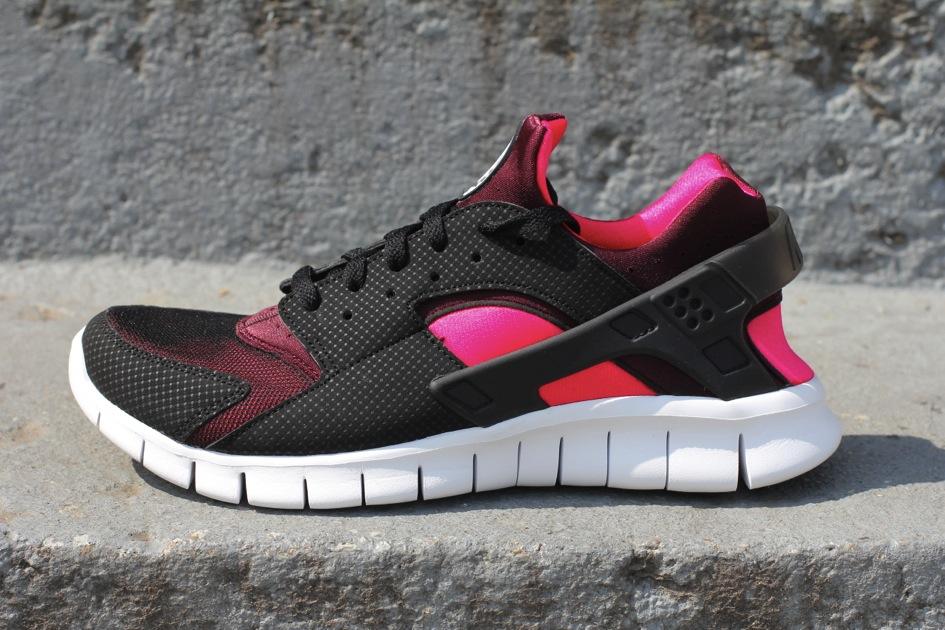 Nike Huarache Free Run - Black/Red