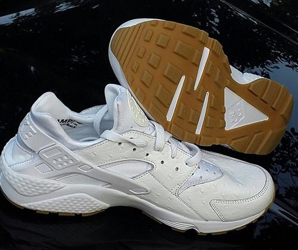 ae72fc4fbe5c First Look at the Nike Air Huarache in White Ostrich and Gum