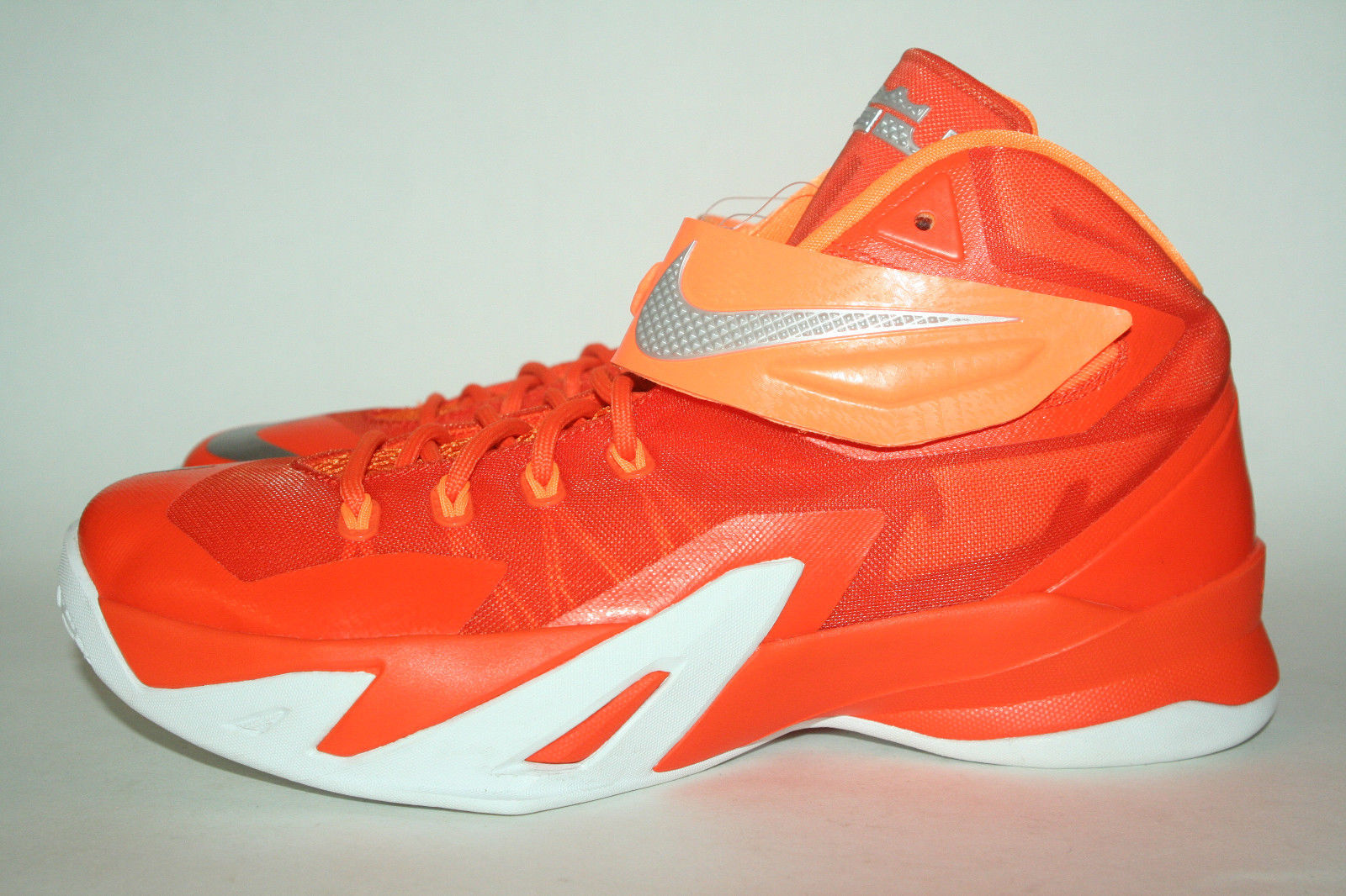 Nike Zoom Soldier 8 'Fire and Ice' Samples