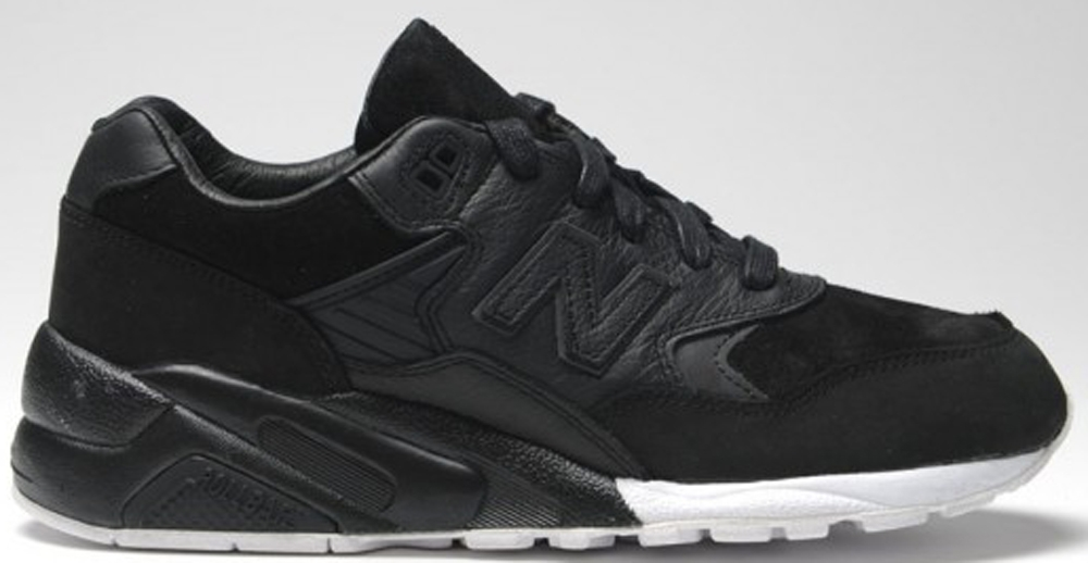 New Balance 580 Black/White