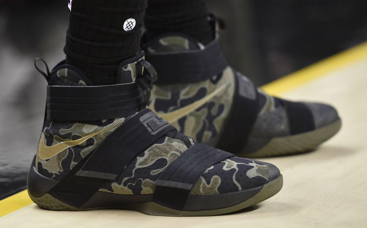 LeBron James Nike LeBron Soldier 10 Camo