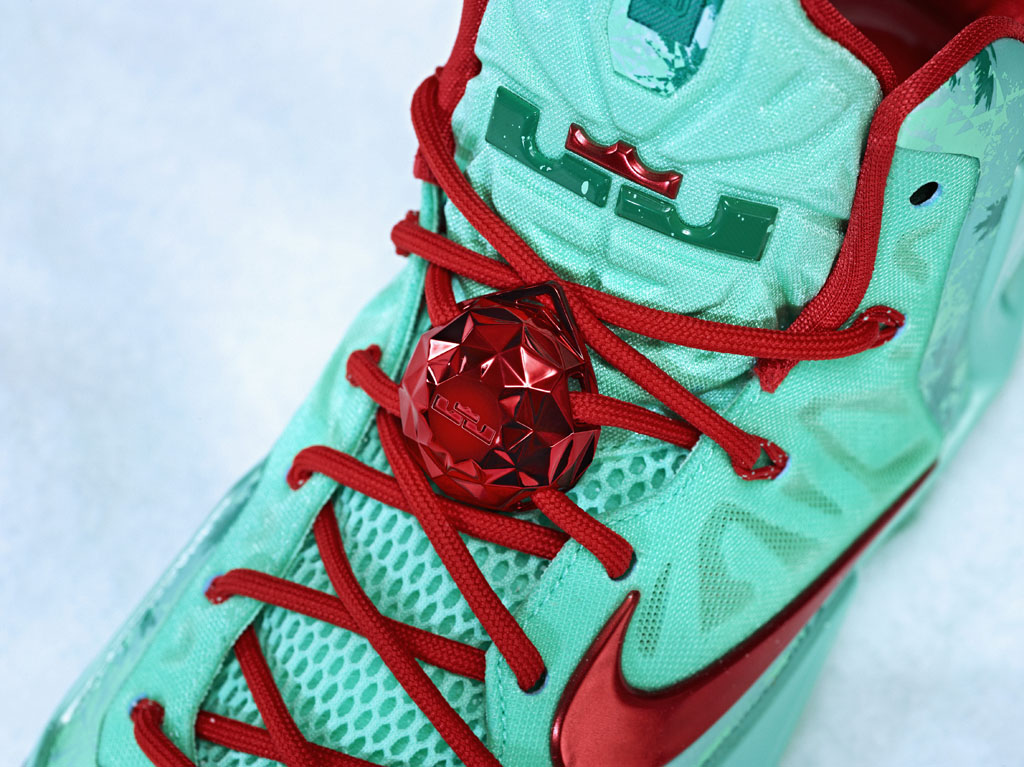 7435ca0e3cc2 Nike Basketball 2013 Christmas Pack    LeBron 11 (2)