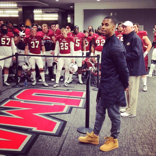 Victor Cruz wearing Nike Air Force 1 Mid Wheat