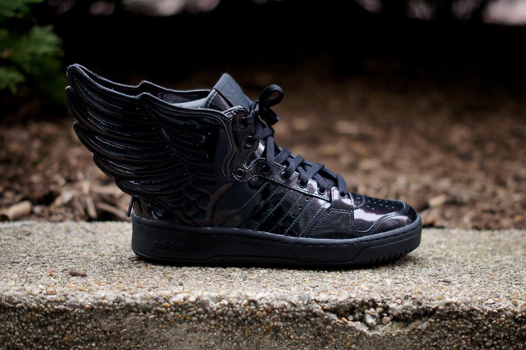Adidas Jeremy Scott Wings Black