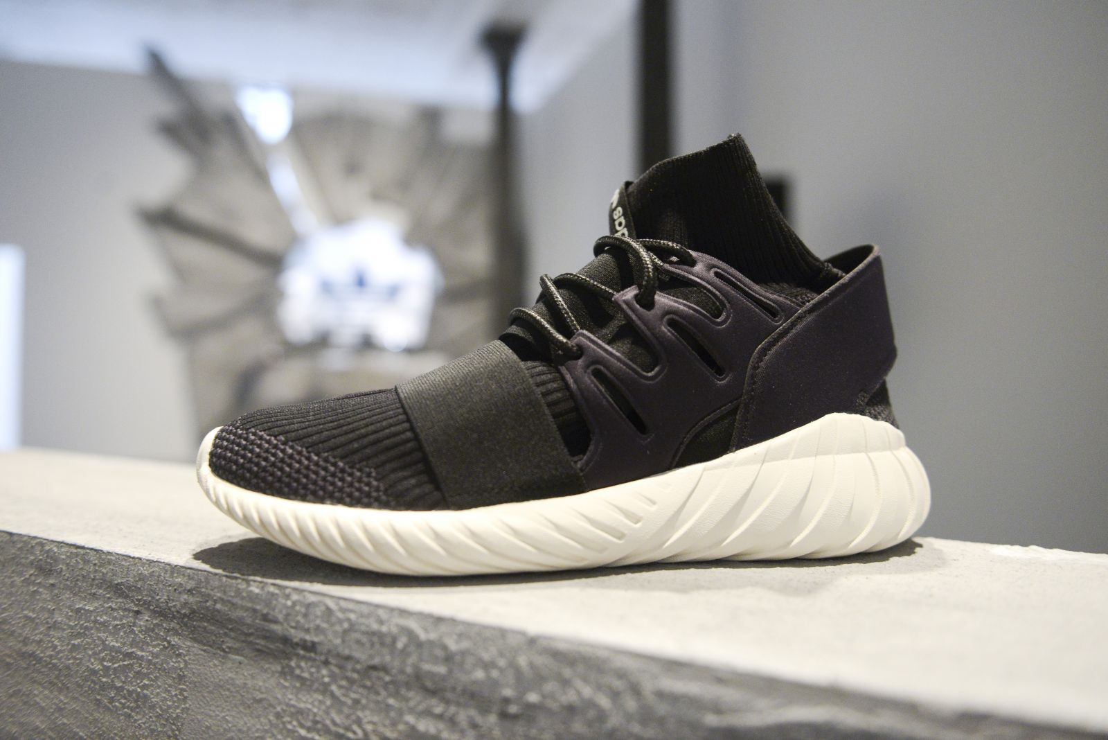 [Tariff inclusion domestic delivery] adidas TUBULAR NOVA PRIMEKNIT S80106