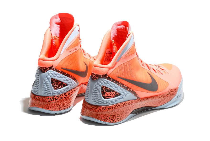 new style 35641 856e7 Nike Zoom Hyperdunk 2011 - Blake Griffin
