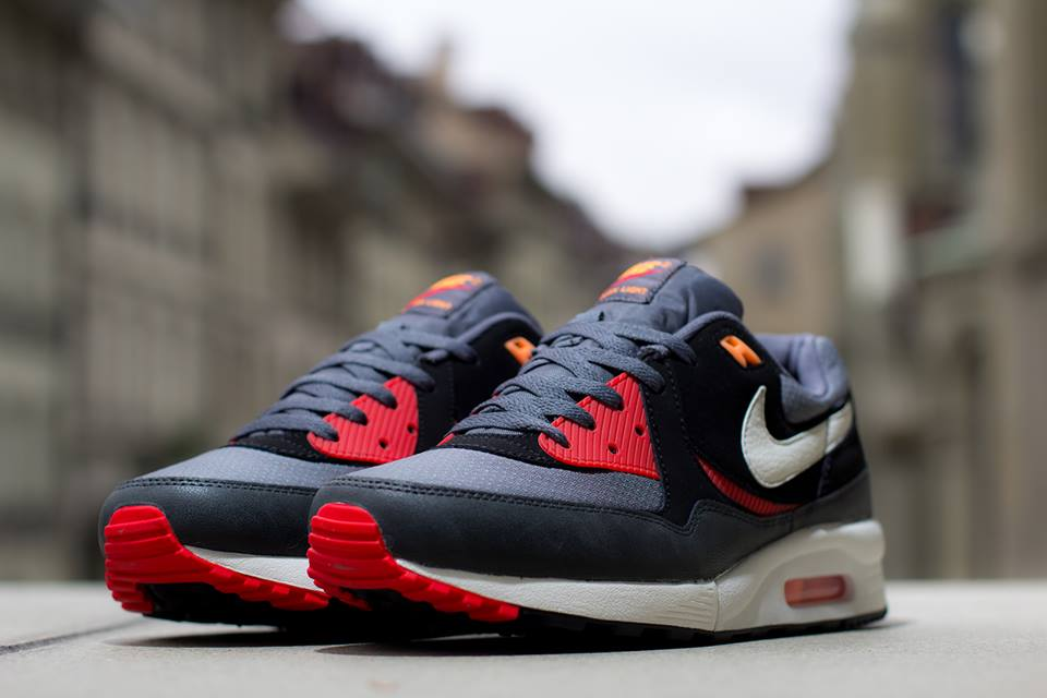 pretty nice e8c28 6524f Nike Air Max Light Essential in Black Sail and Black Pine