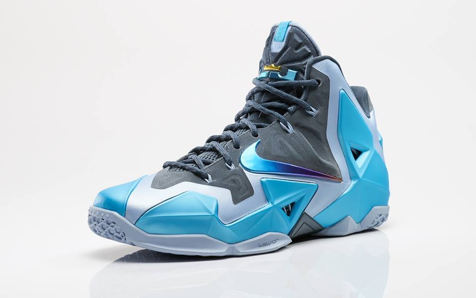 finest selection 1c810 9a8e1 Nike LeBron XI - Gamma Blue    Official Look