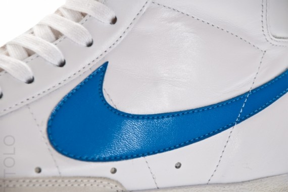 nike blazer white blue