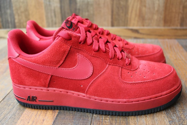new styles 70c64 e5559 Nike Sportswear offers us two all new suede builds of the Air Force 1 Low.