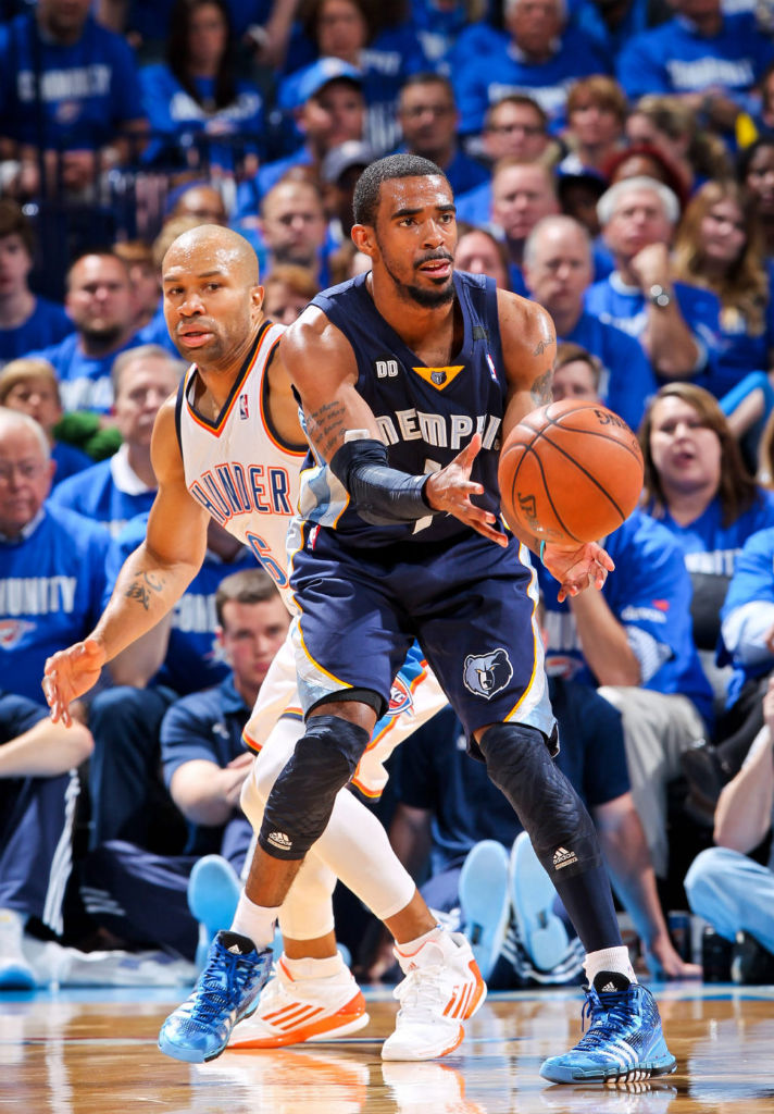 Mike Conley wearing adidas Crazyquick Triple Blue; Derek Fisher wearing adidas adizero Crazy Light 2 Low