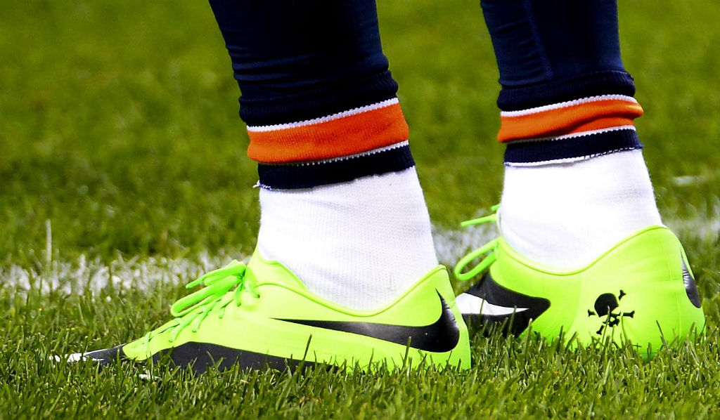 Brandon Marshall Wears Green Nike Hypervenom for Mental Illness Awareness (1)