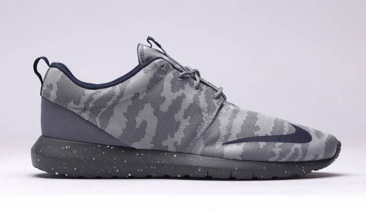 big sale f9759 3e029 These Nike Roshes Are Inspired by Soccer Shoes
