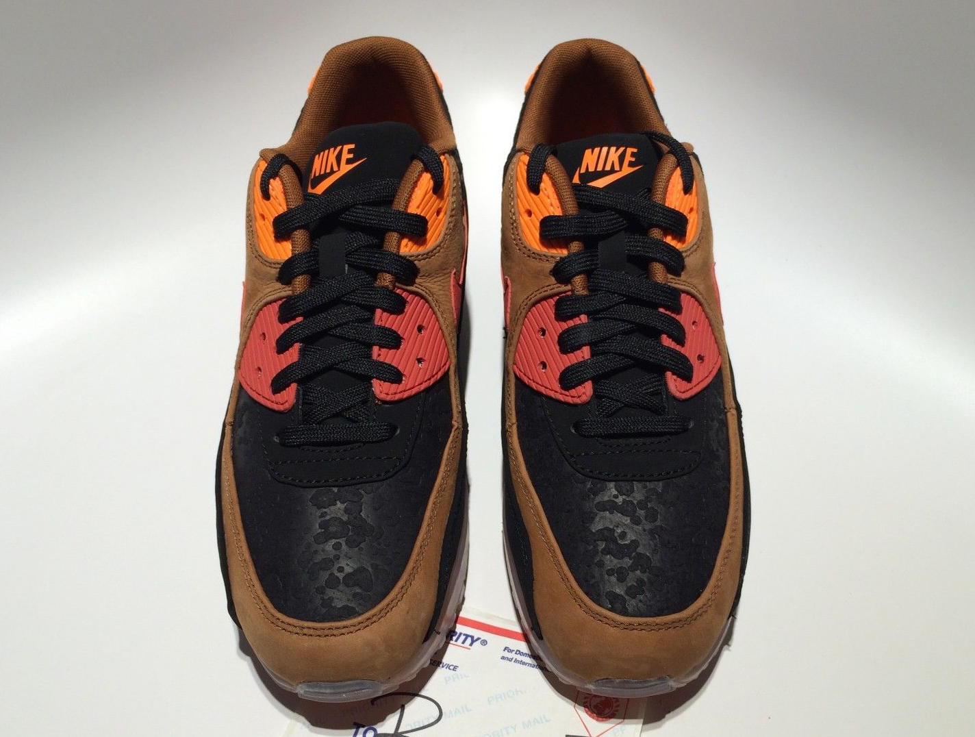 free shipping 85560 9bb99 Spooky Nike Air Max 90s for Halloween