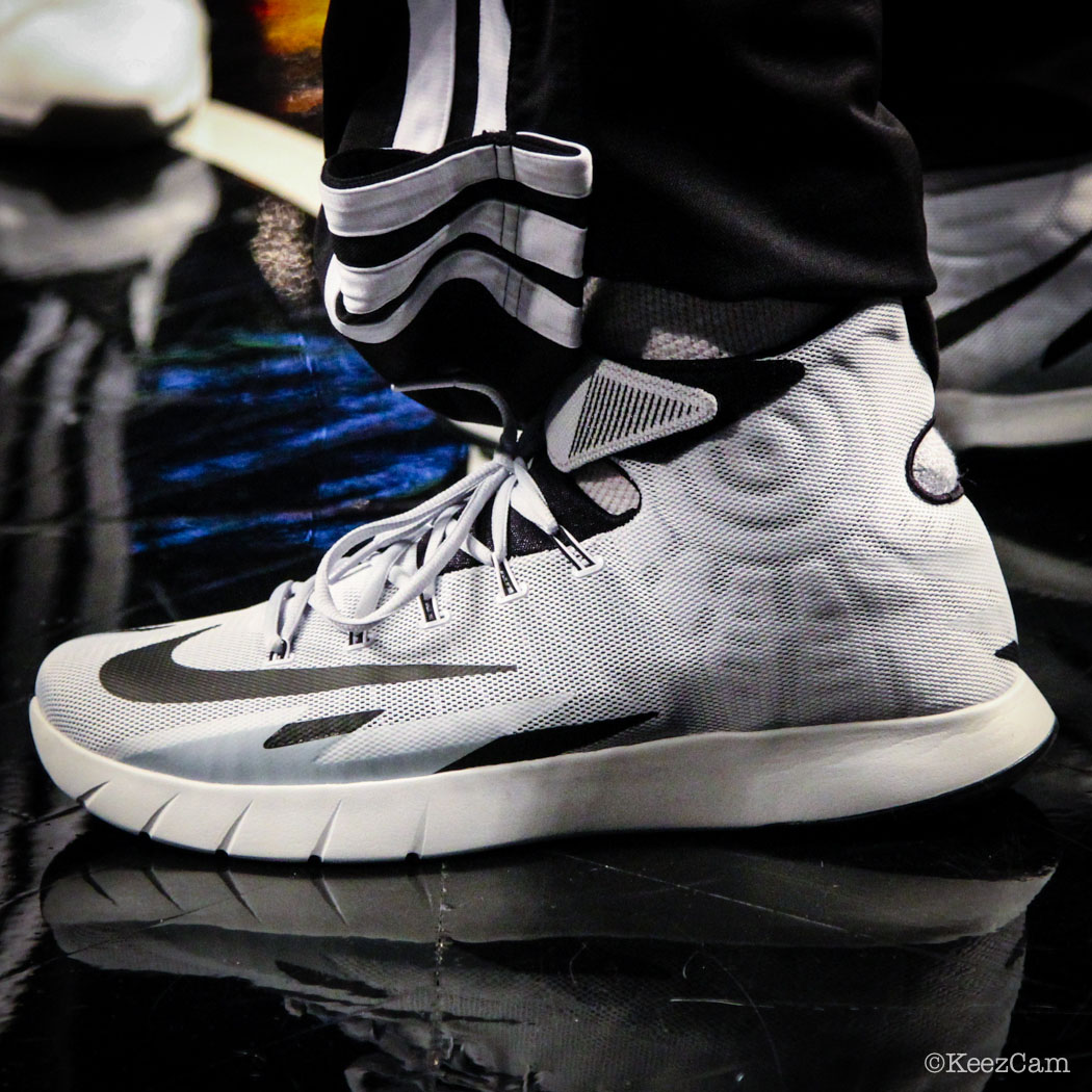 Deron Williams wearing Nike Zoom HyperRev PE