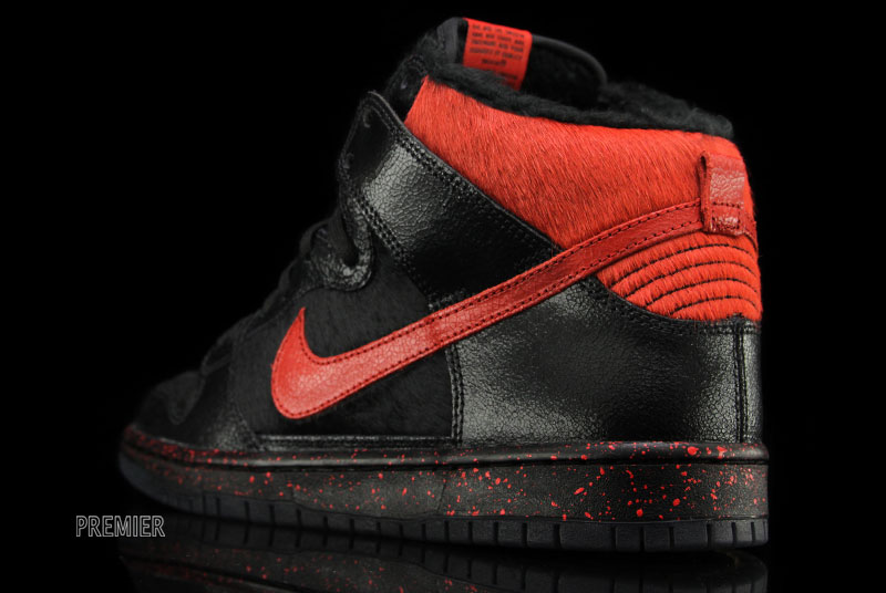 timeless design f0473 10bbf Nike SB Dunk High