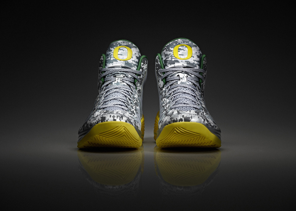 Nike Hyperdunk 2013 Oregon Duck Armed Forces Classic Team Exclusive profile