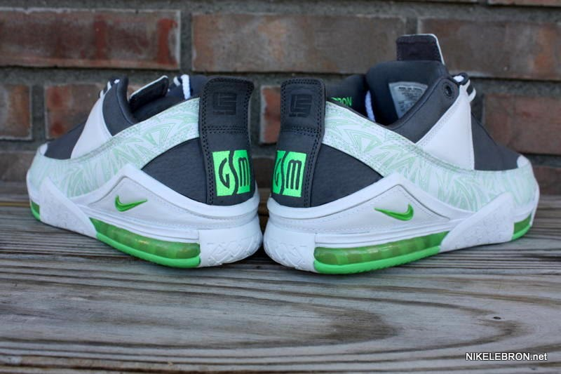 buy popular 81ebe b6e17 The mid-cut edition of the Dunkman LeBron II may be the most well-known,  but it also was made in an even more exclusive low for the Goodwin Sports  ...