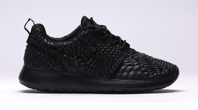 official photos 18464 50eb0 Nike Roshe Run DMB Black