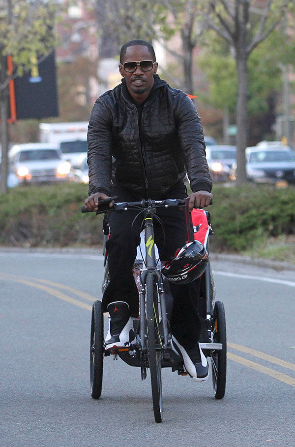 Jamie Foxx wearing Air Jordan 13 XIII Retro He Got Game