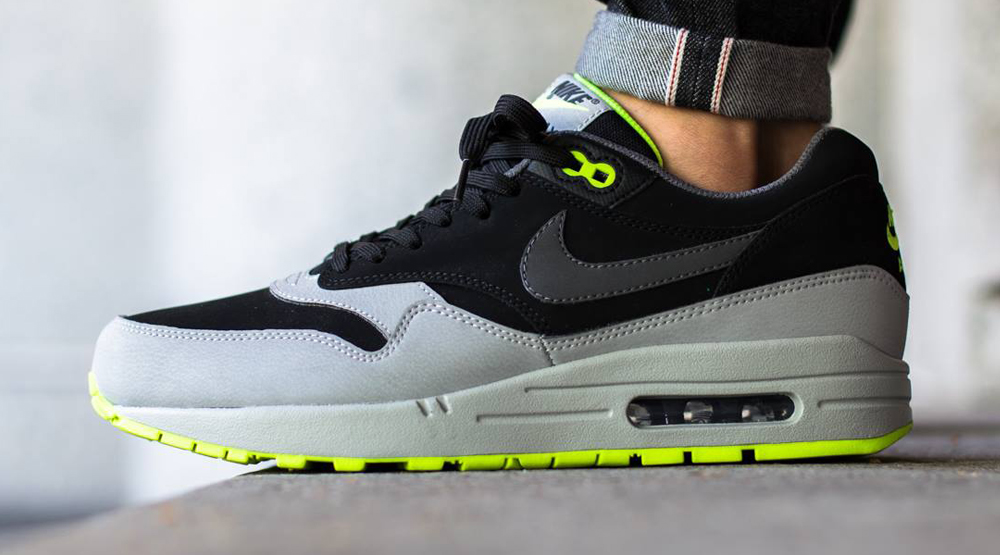 95s Aren t the Only Neon Air Maxes This Summer  c53b1712701a