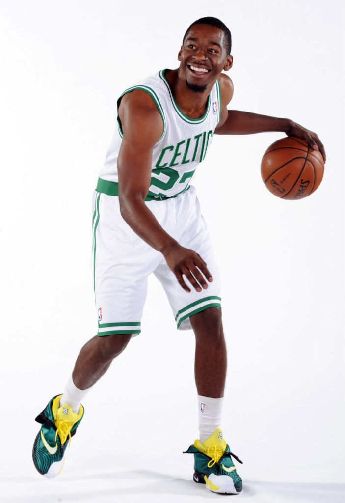 Jordan Crawford wearing Nike Air Zoom Flight The Glove