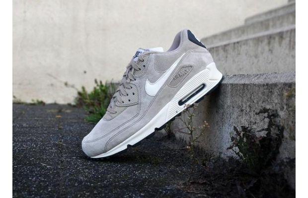 Nike Air Max 90 Suede