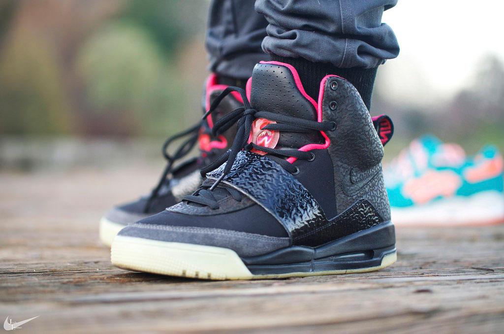 buy popular d6a5c cca90 Kanye West Nike Air Yeezy Blink