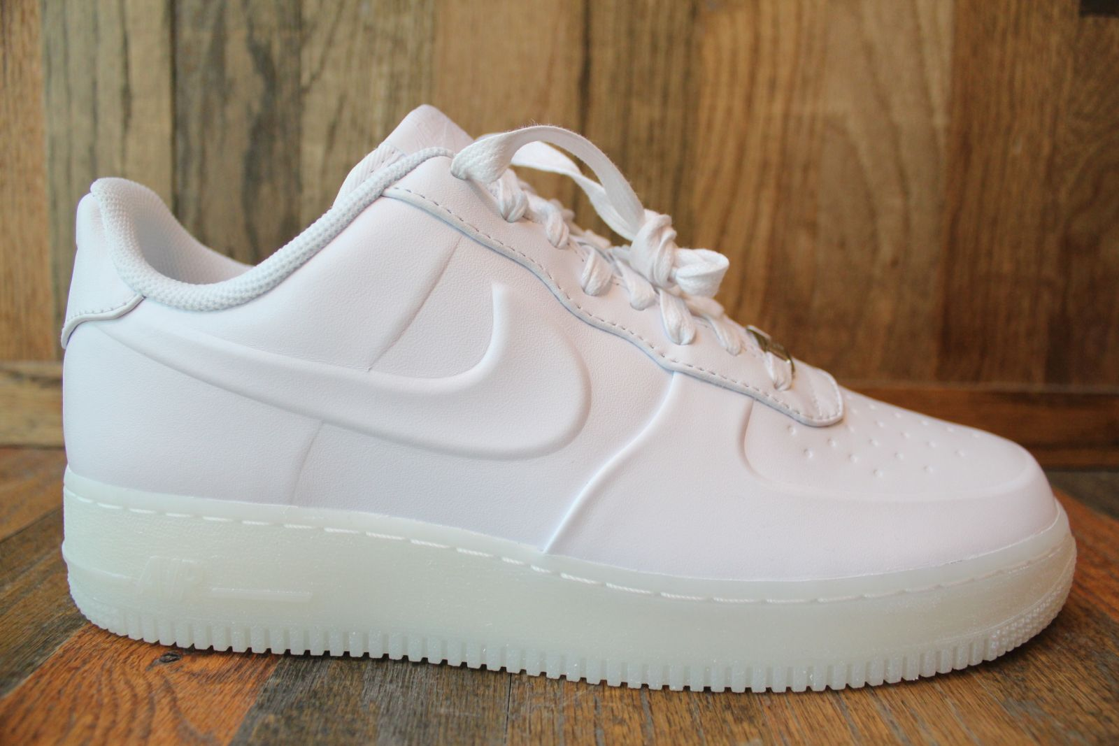 white nike air force low