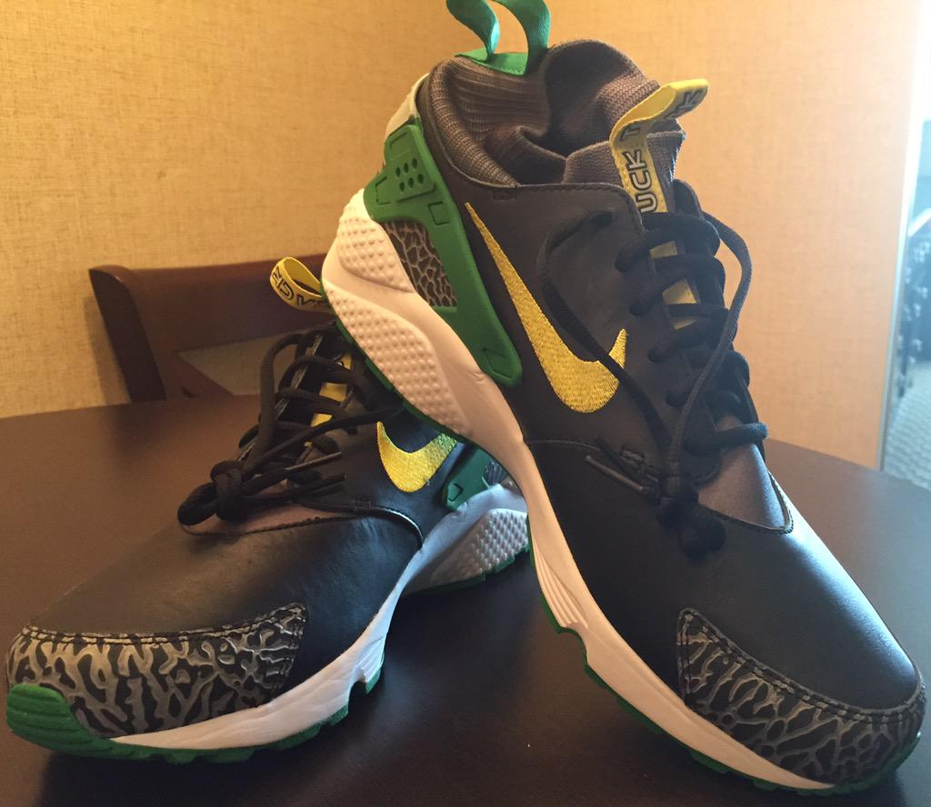 official photos e100a 94506 The Story Behind Oregon's Exclusive 'Duck' Nike Huaraches | Sole Collector