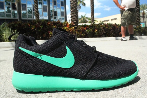 black and green roshe runs