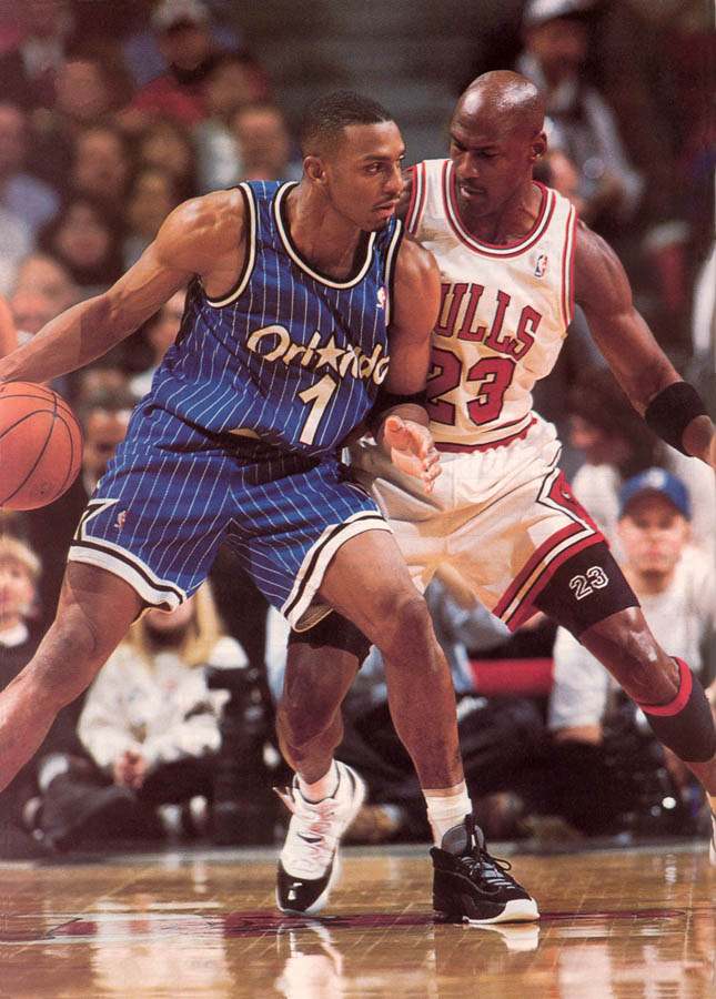 Michael Jordan wearing Air Jordan XI 11 Concord (17)