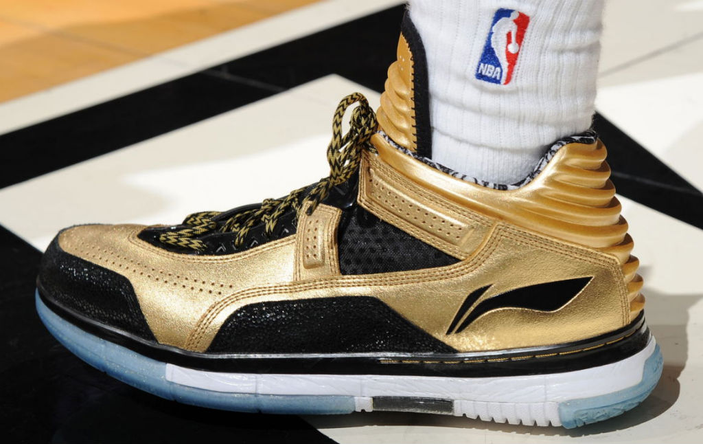 dwyane wade wears goldblack lining way of wade encore pe