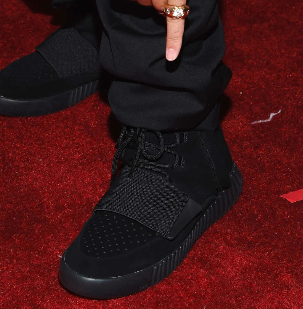 6a409be52324 DJ Khaled Wearing the Black adidas Yeezy 750 Boost at the Grammys (1)
