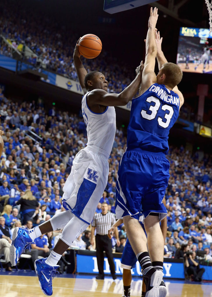 Julius Randle Makes Kentucky Debut in Nike LeBron 11 PE (2)