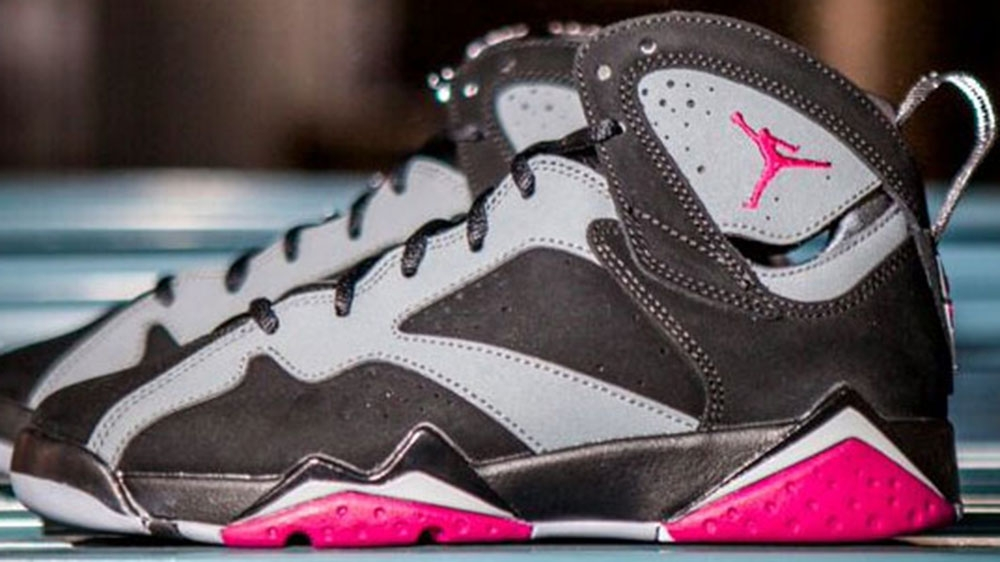 Air Jordan 7 Retro Girls Black/Sport Fuschia-Cool Grey-Wolf Grey