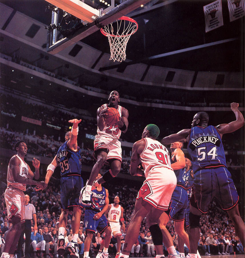 Michael Jordan wearing Air Jordan XI 11 Concord (5)