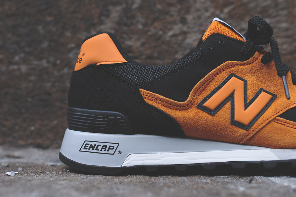 black and orange new balance