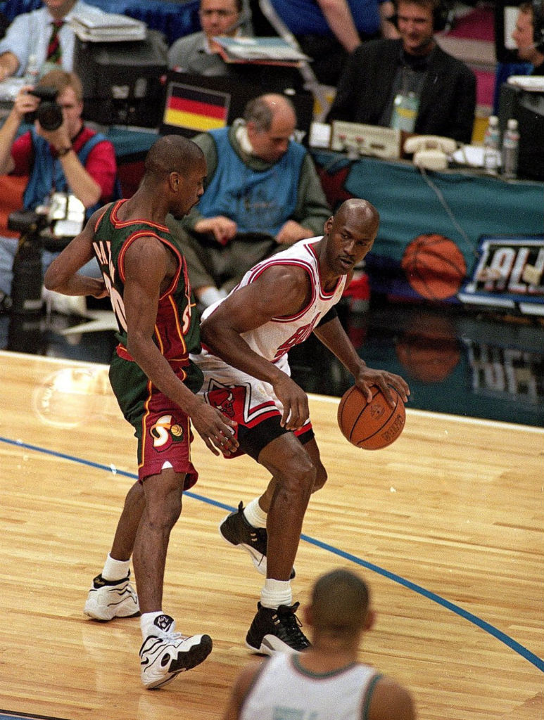 #2350 // 50 Classic Michael Jordan All-Star Game Photos (11)