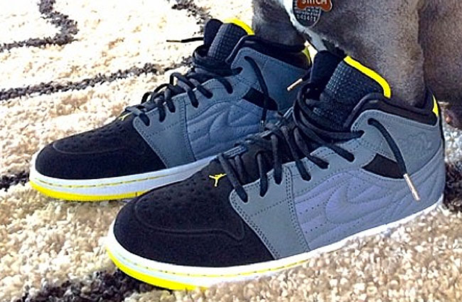 Air Jordan 1 I Retro '99 Grey/Yellow-Black 654140-032