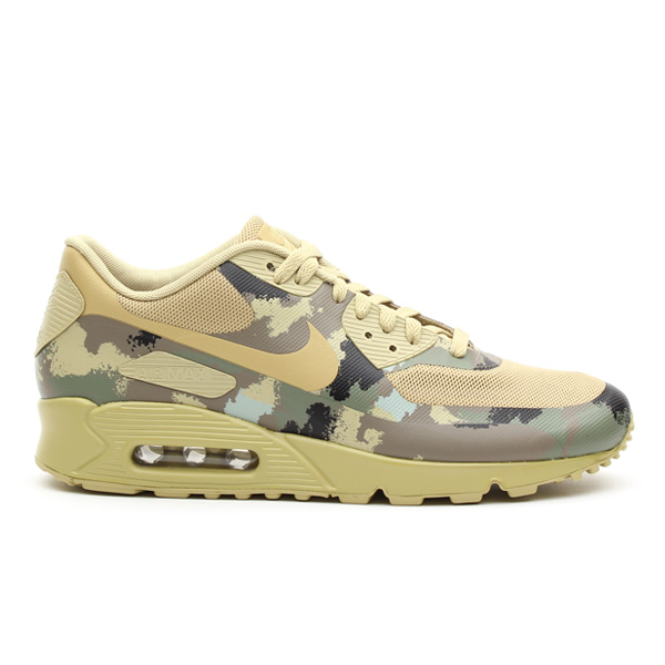 A closer look at the Nike Air Max 90 Hyperfuse CC SP \u0026quot;Italy\u0026quot; from the new Air Max Camo Collection.