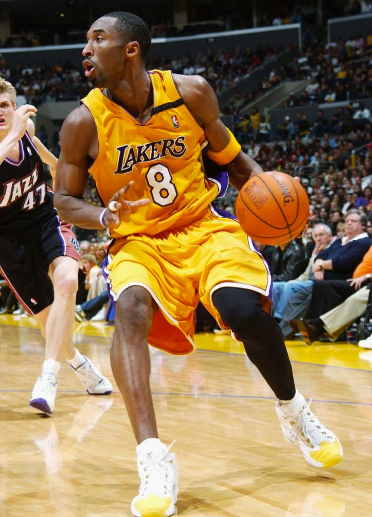 Kobe Bryant wearing the 'Yellow Toe' Reebok Question