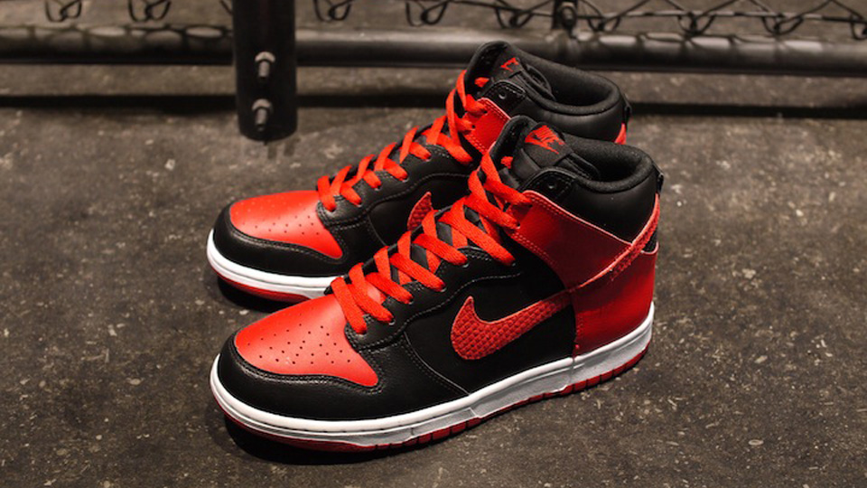 huge selection of a633c 690a3 Nike Dunk High LE - Black   Sport Red   White