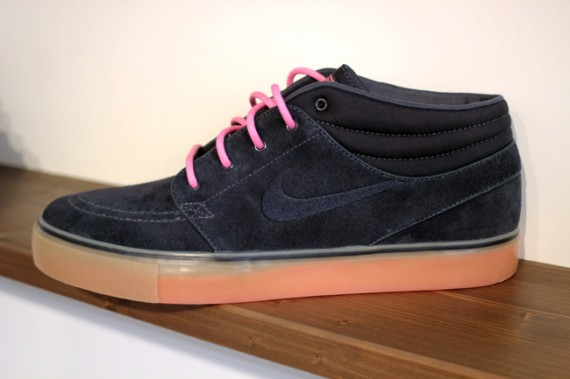 promo code 490cf ab396 Look for both colorways of the SB Stefan Janoski Mid to hit authorized Nike  SB retailers next spring.