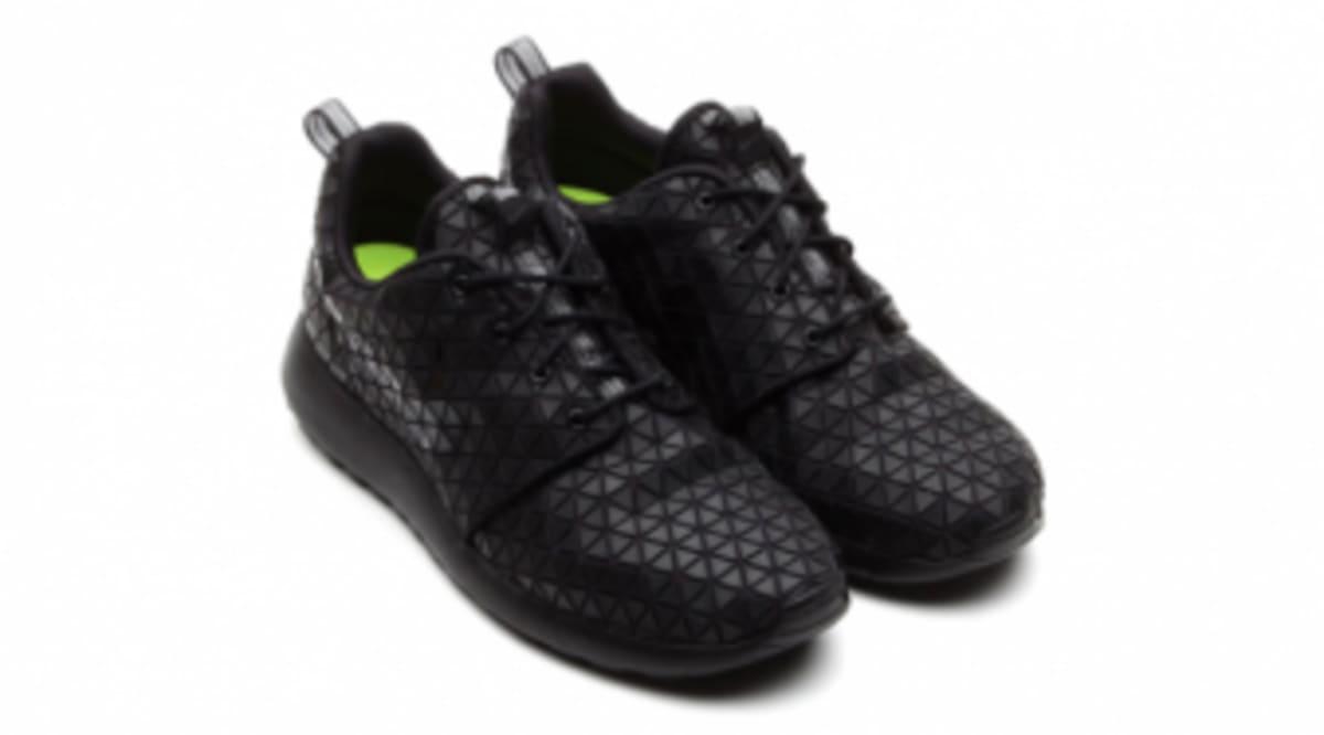 low priced bbb7c ab3b6 Nike WMNS Roshe Run
