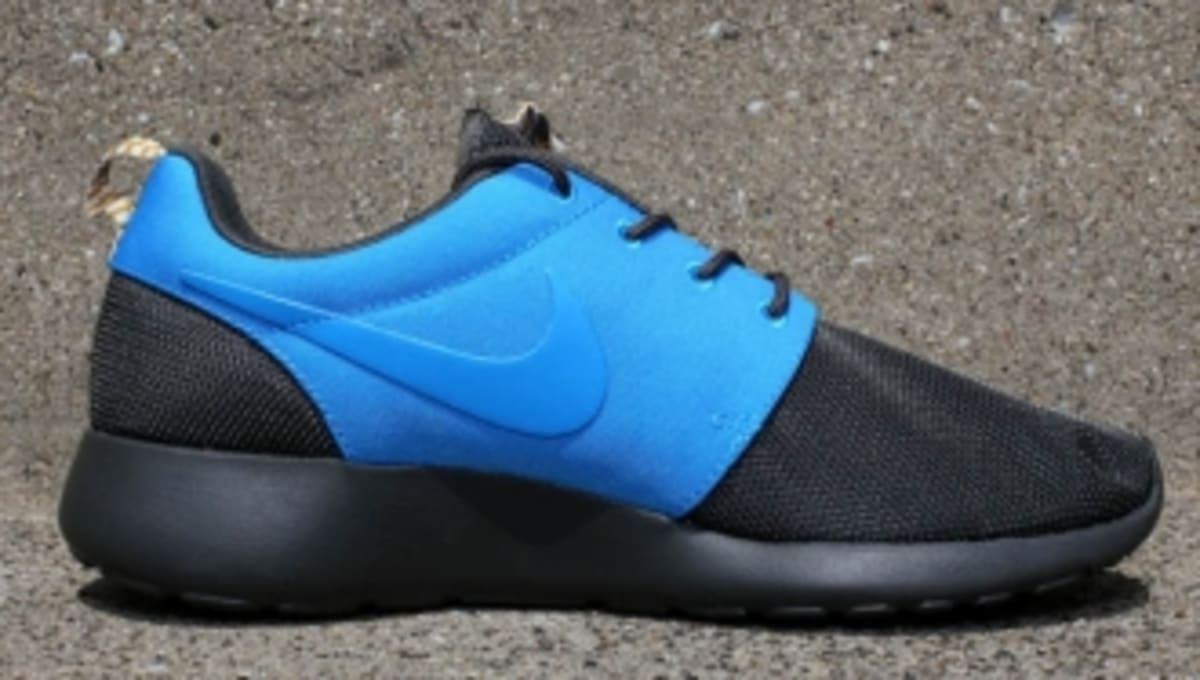 promo code 1949b 6fb8a Nike Roshe Run